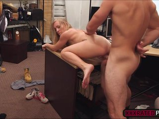 Blonde milf fucks enduring on the top be useful to top be useful to table